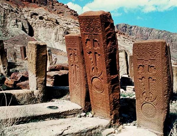 Армянское кладбище в Джульфе. Источник фото: russia-armenia.info