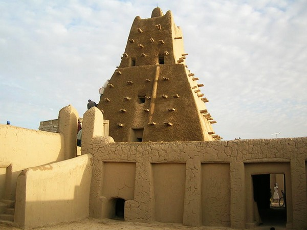 Мавзолеи в Тимбукту. Источник фото: unesco.org