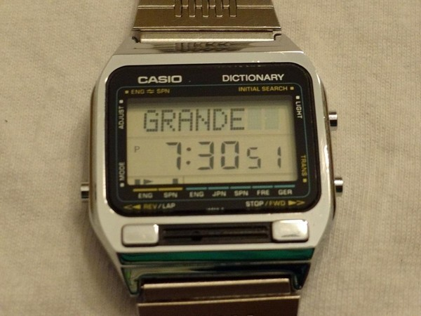 Casio TE-2500: первые часы с электронным переводчиком
