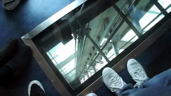 Стеклянный лифт башни Sky Tower в Окленде