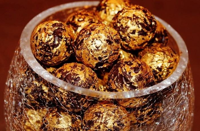 شوكولاتة بالذهب بسعر 15 ألف درهم للكيلو