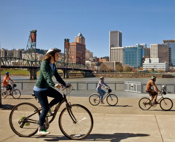 Велосипедисты на улицах Портленда