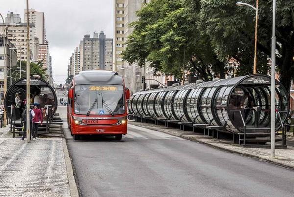 Развитая сеть общественного транспорта является гордостью и визитной карточкой Куритибы
