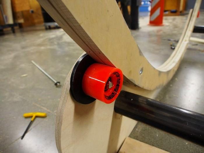 Hamster Wheel Standing Desk – хомячье колесо для офисного помещения