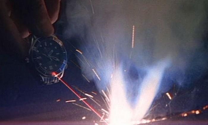 Часы Джеймса Бонда с лазером. Никогда не говори никогда