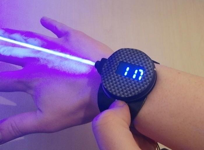 Часы с лазером от Патрика Прибе