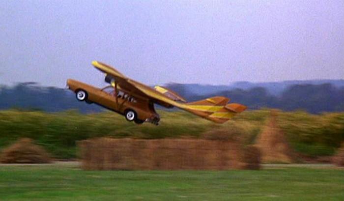 Летающий автомобиль Скараманги. Человек с золотым пистолетом