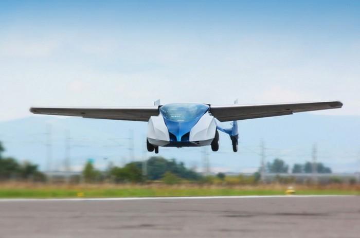Летающий автомобиль AeroMobil