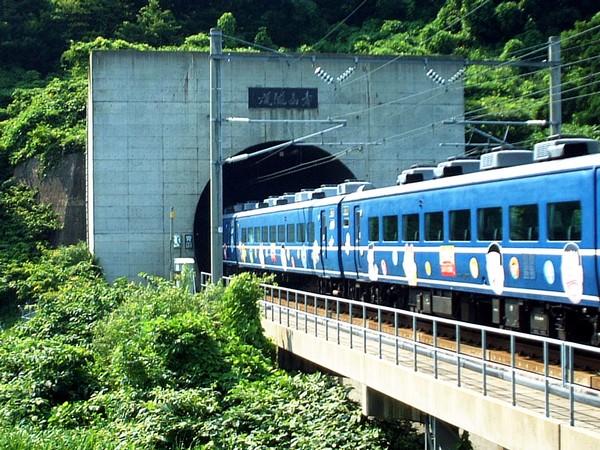 Тоннель Сэйкан в Японии. Источник фото: Википедия