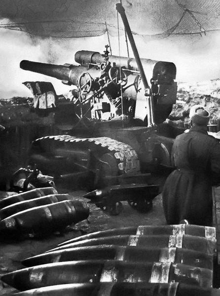 Гаубица Б-4 - карельский скульптур или сталинская кувалда. Источник фото: http://topwar.ru