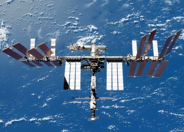 Международная Космическая Станция. Источник фото: acmepoug.ru