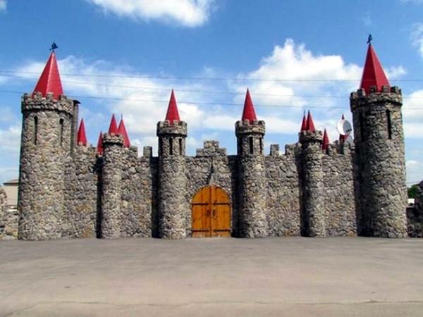 Акимовский замок