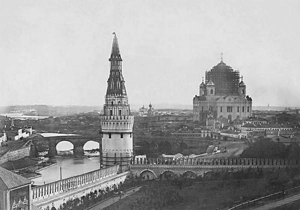 Строительство Храма Христа Спасителя. Источник фото: liveinternet.ru