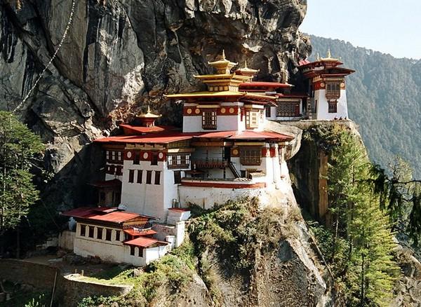 Монастырь Таксанг в Бутане. Источник фото: keks.ua