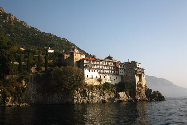 Монастырь Григориат на горе Афон. Источник фото: father-ingwar.livejournal.com