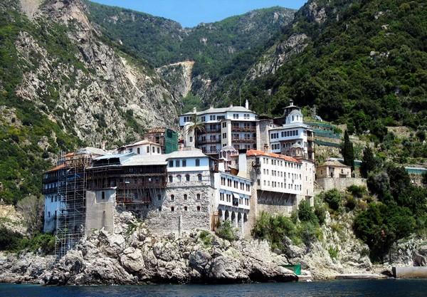 Монастырь Григориат на горе Афон. Источник фото: grekomania.ru