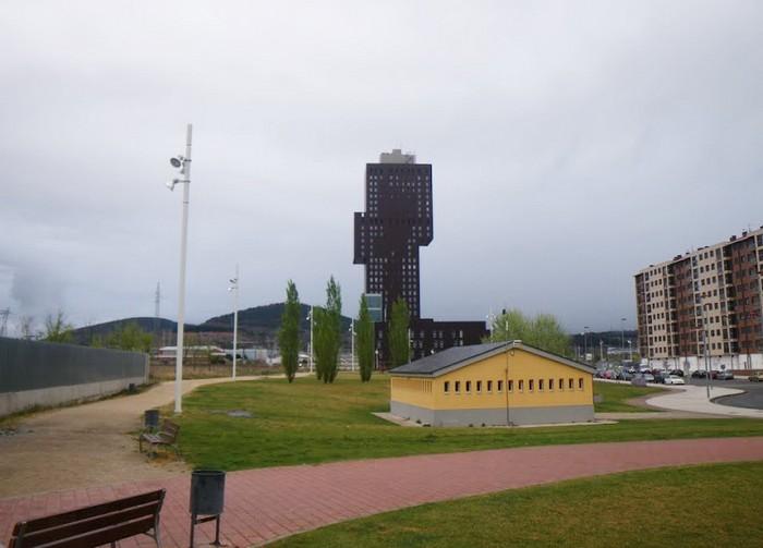 Torre de la Rosaleda – странный небоскреб в маленьком испанском городке