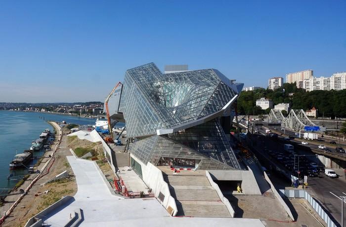 Музей слияния: здание с дыркой в Лионе