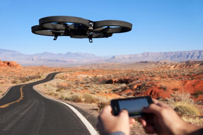 Parrot AR.Drone 2.0 - недорогой квадрокоптер за 300 долларов