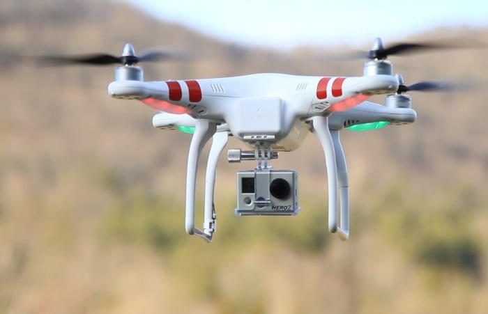 DJI Pahantom - популярный квадрокоптер с камерой GoPro Hero 2