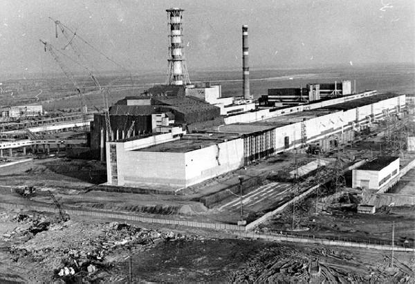 Старый объект Укрытие на Чернобыльской АЭС