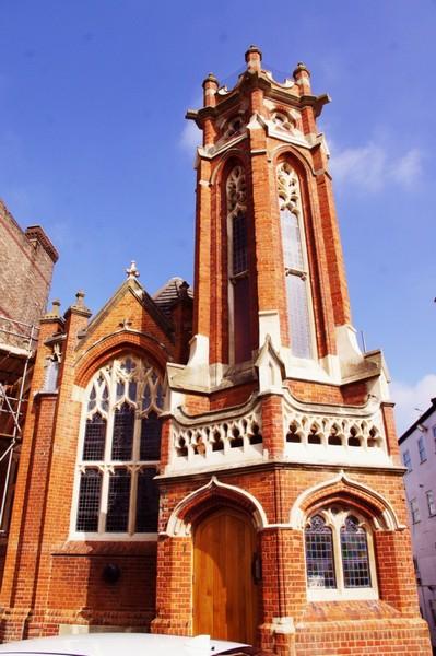 Офис компании Quantum Marketing в старой церкви. Источник фото: officesnapshots.com
