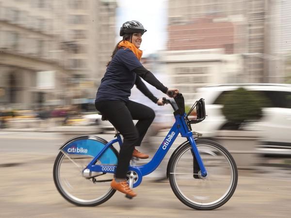 Франция готова платить деньги тем, кто ездит на работу на велосипедах