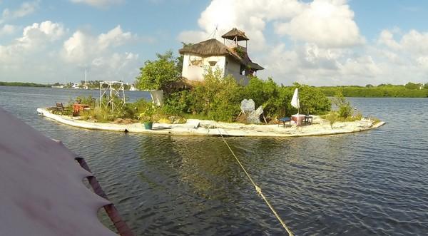 Spiral Island – остров из пластиковых бутылок
