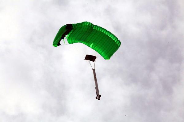 Приземление ракеты Stig на парашюте