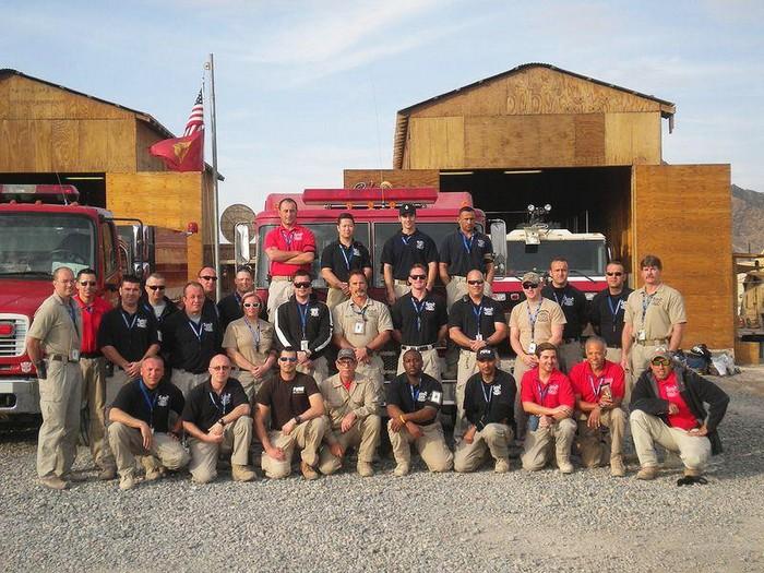 Персонал частной военной компании DynCorp в полевом лагере