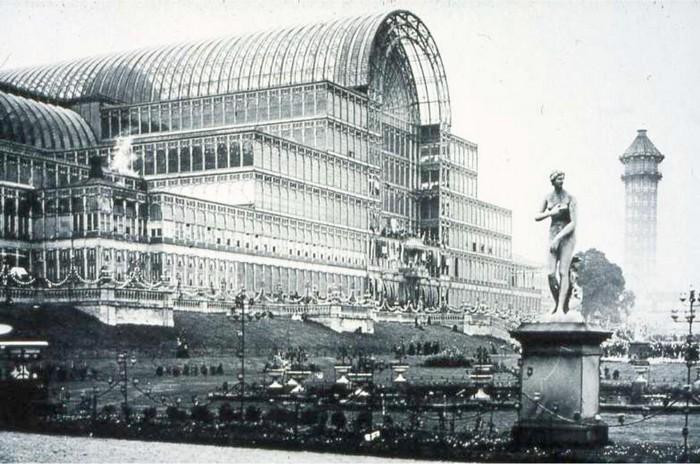 Хрустальный дворец в Лондоне в девятнадцатом веке