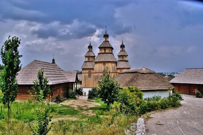 Запорожская Сечь на острове Хортица в наши дни