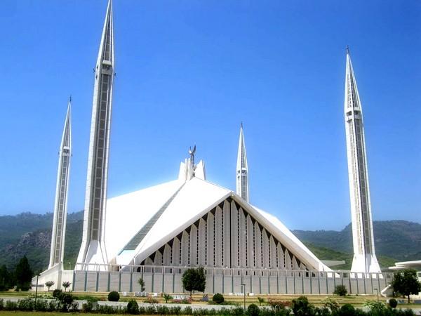 Мечеть в Исламабаде. Источник фото: jaadirocks.blogspot.com