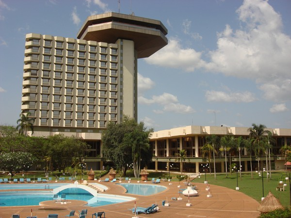 Комплекс президентских зданий в Ямусукро. Источник фото: Википедия