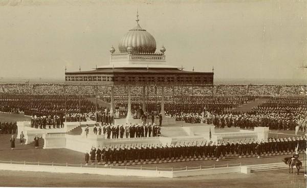 Церемония переезда британской администрации в Нью-Дели. Источник фото: Википедия