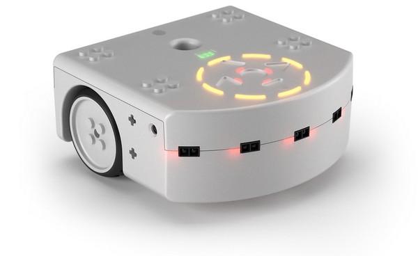 Thymio II – робот, рисующий светом. Источник фото: aseba.wikidot.com