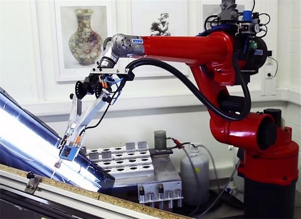 eDavid – робот-портретист. Источник фото: weburbanist.com
