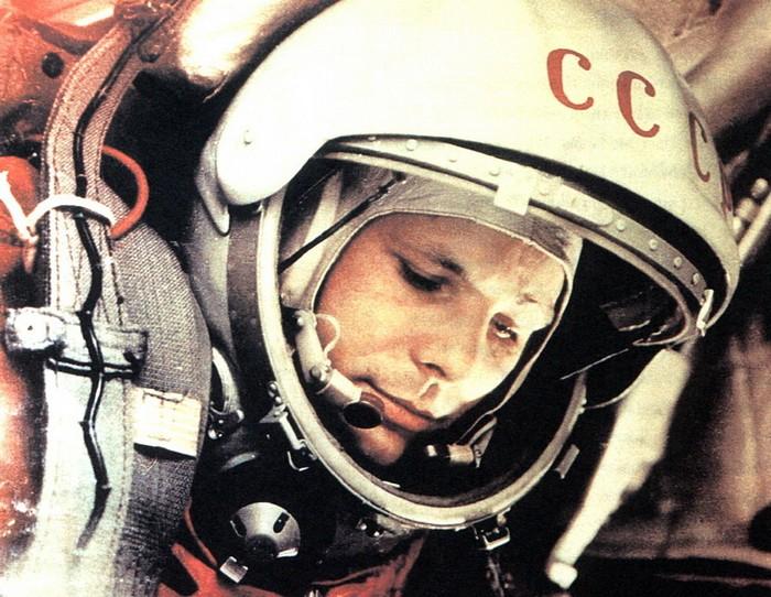 Юрий Гагарин перед стартом