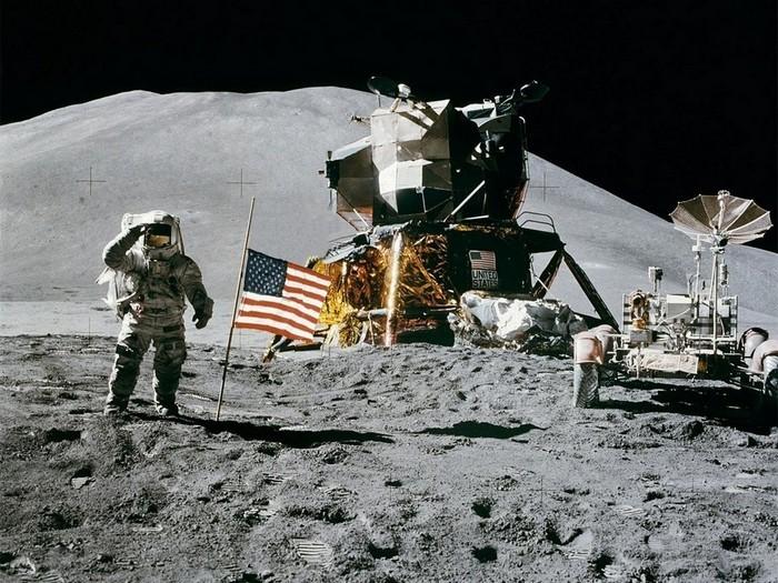 Экипаж американской миссии Аполлон-11 на Луне