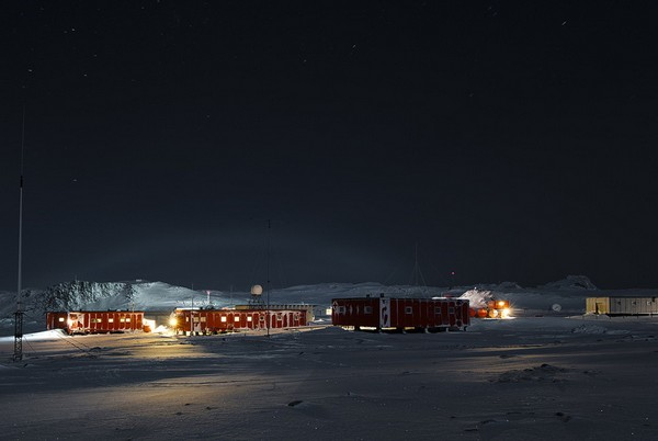 russuain-antarctic-stations-13.jpg