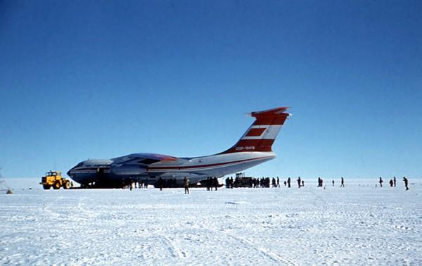 russuain-antarctic-stations-18.jpg