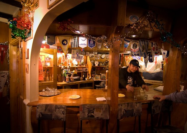 Кафе-бар на станции Академик Вернадский. Источник фото: felbert.livejournal.com