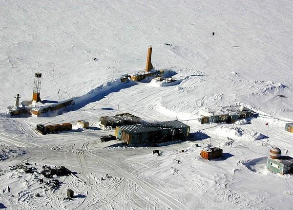 russuain-antarctic-stations-7.jpg