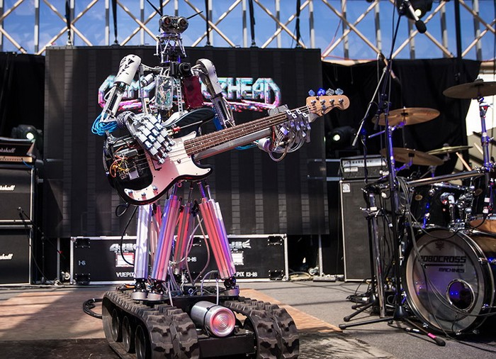 Compressorhead – рок-группа, состоящая из роботов