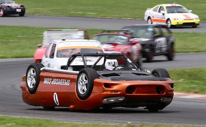 Upside Down Camaro – автомобиль вверх ногами