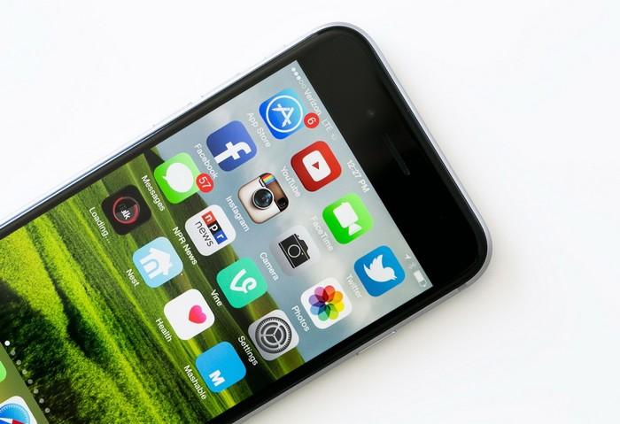 Умный телефон iPhone 6