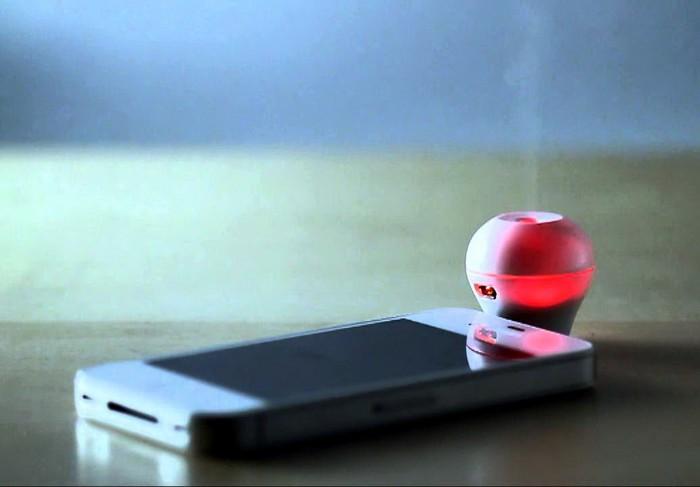 Scentee – устройство, позволяющее смартфону издавать запахи