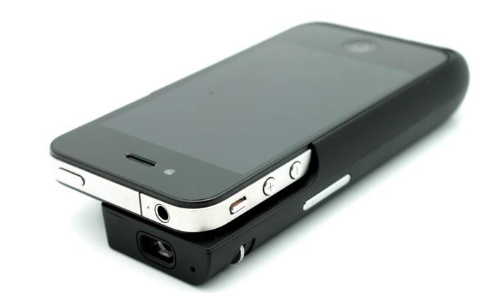 Brookstone Pocket Projector – внешний проектор для смартфона