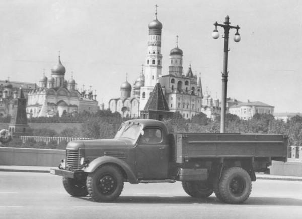 ЗиС-150 – удачный «клон» американского грузовика. Источник фото: avtomobili-rnd.ru