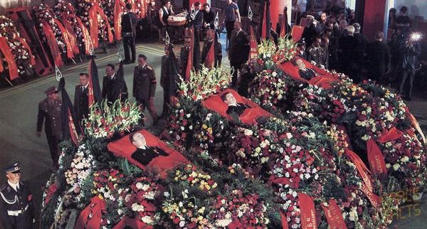 Похороны Добровольского, Волкова и Пацаева. Источник фото: Spacefacts.de